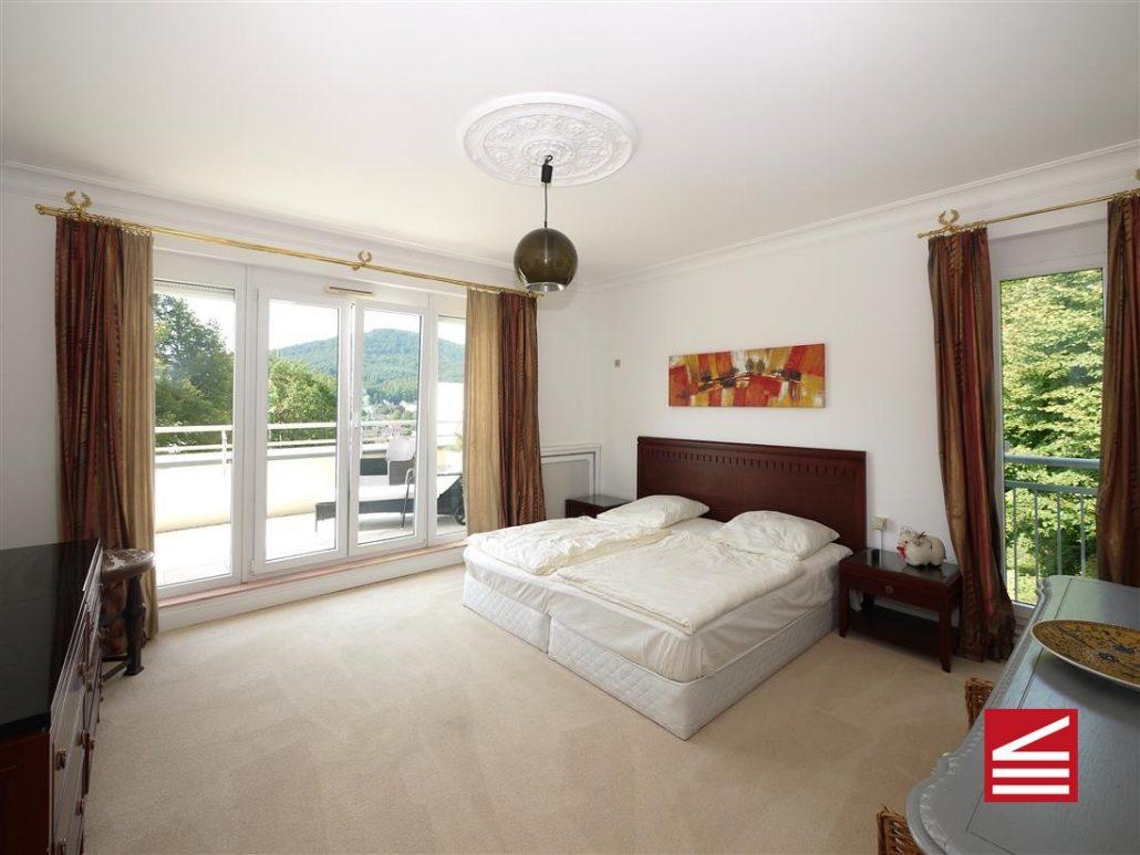 attraktive penthouse-wohnung in baden-baden, dachterrasse, aufzug, Wohnzimmer dekoo