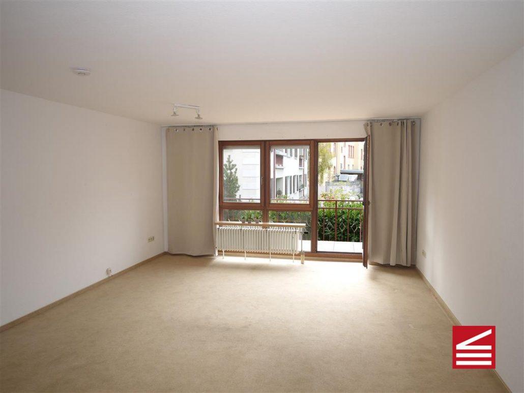 gut vermietbares 1 zimmer apartment mit balkon u kfz. Black Bedroom Furniture Sets. Home Design Ideas